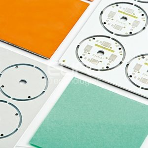 Prepreg dielettrico termicamente conduttivo