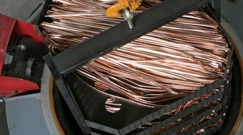 Trattamento termico di tempra per garantire l'effetto molla di componenti in lega di rame – berillio